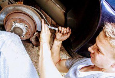 Améliorer la durée de vie de ses plaquettes de freins